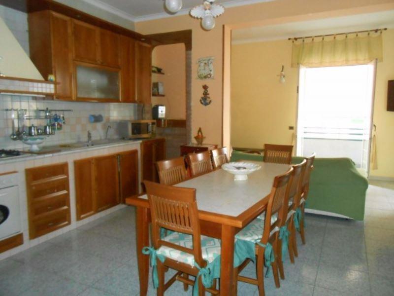 Appartamento in vendita a Giugliano in Campania, 6 locali, prezzo € 240.000 | Cambio Casa.it