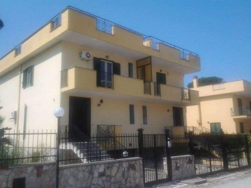 Villa a Schiera in Vendita a Giugliano in Campania