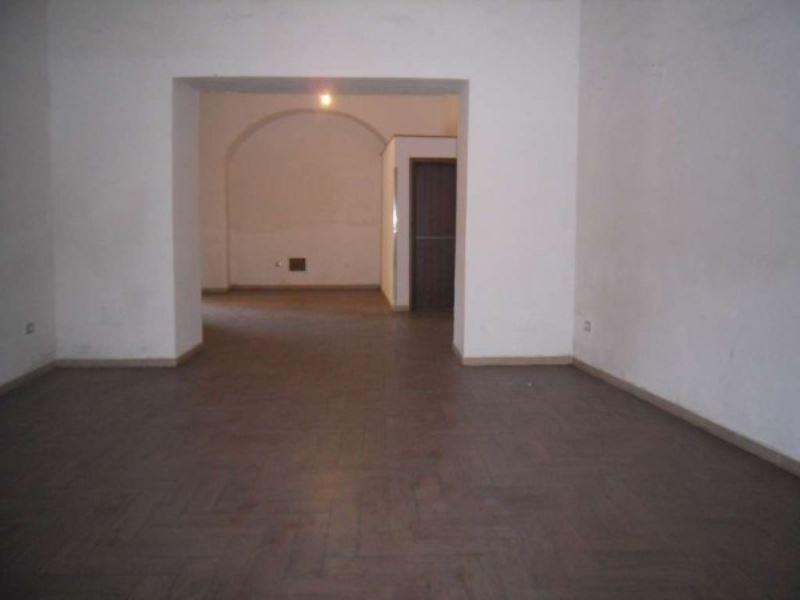 Negozio / Locale in vendita a Aversa, 4 locali, prezzo € 60.000 | Cambio Casa.it