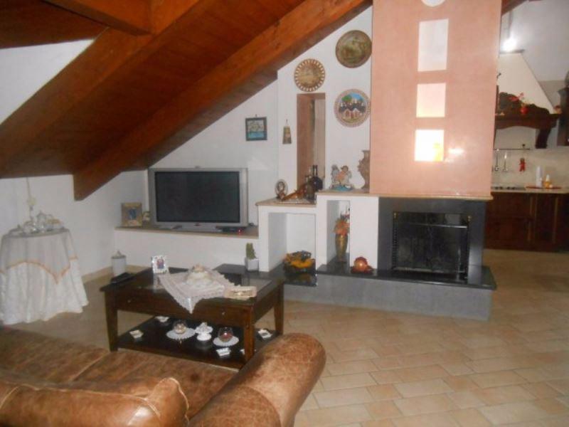 Appartamento in vendita a Giugliano in Campania, 6 locali, prezzo € 230.000 | Cambio Casa.it