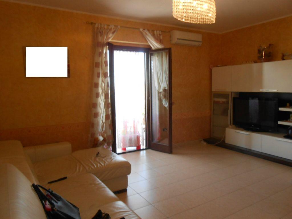 Appartamento in vendita a Villaricca, 6 locali, prezzo € 179.000 | Cambio Casa.it
