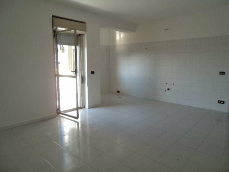 Appartamento in vendita a Giugliano in Campania, 3 locali, prezzo € 100.000 | Cambio Casa.it