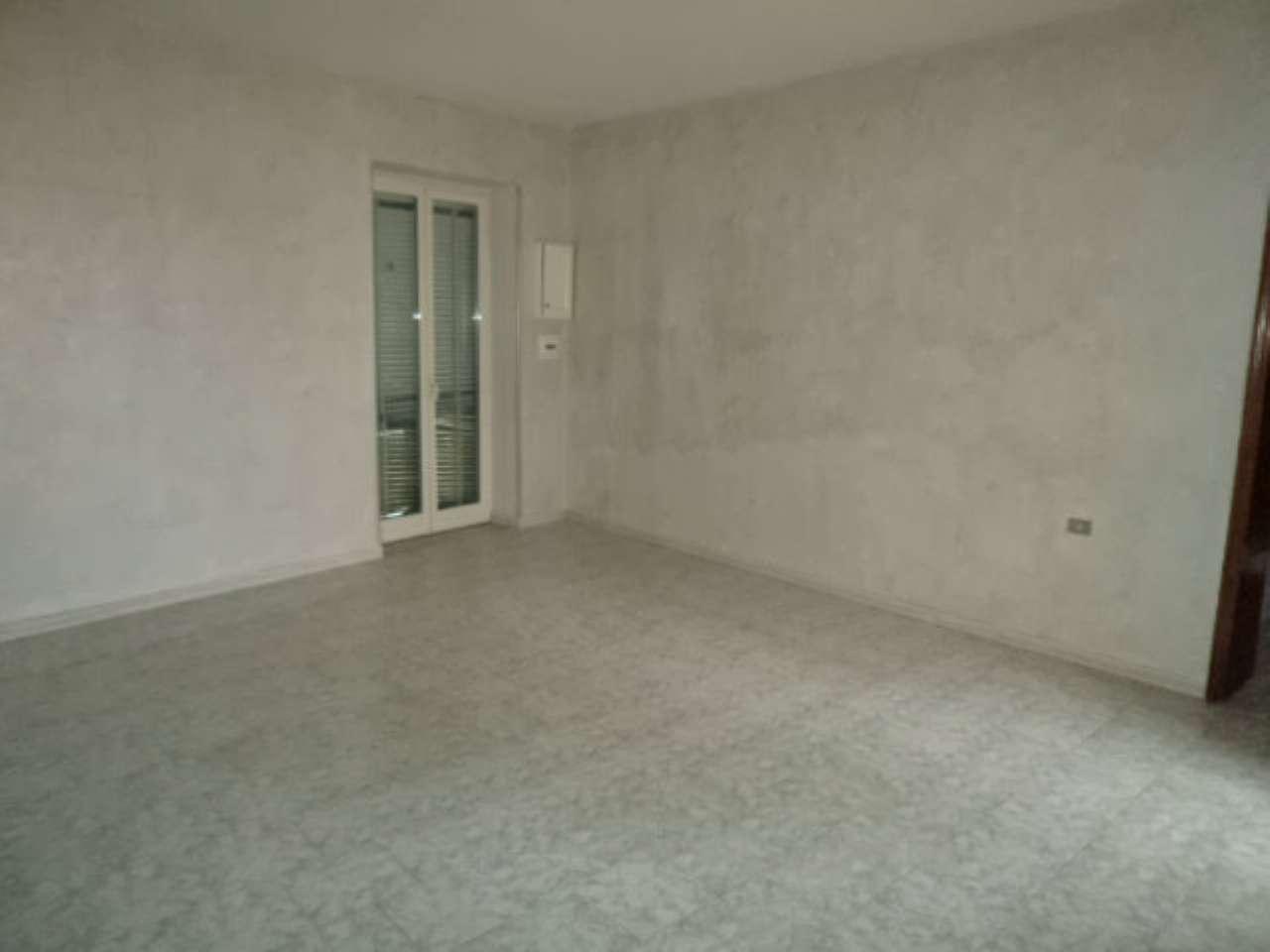 Appartamento in affitto a Sant'Antimo, 4 locali, prezzo € 500   Cambio Casa.it