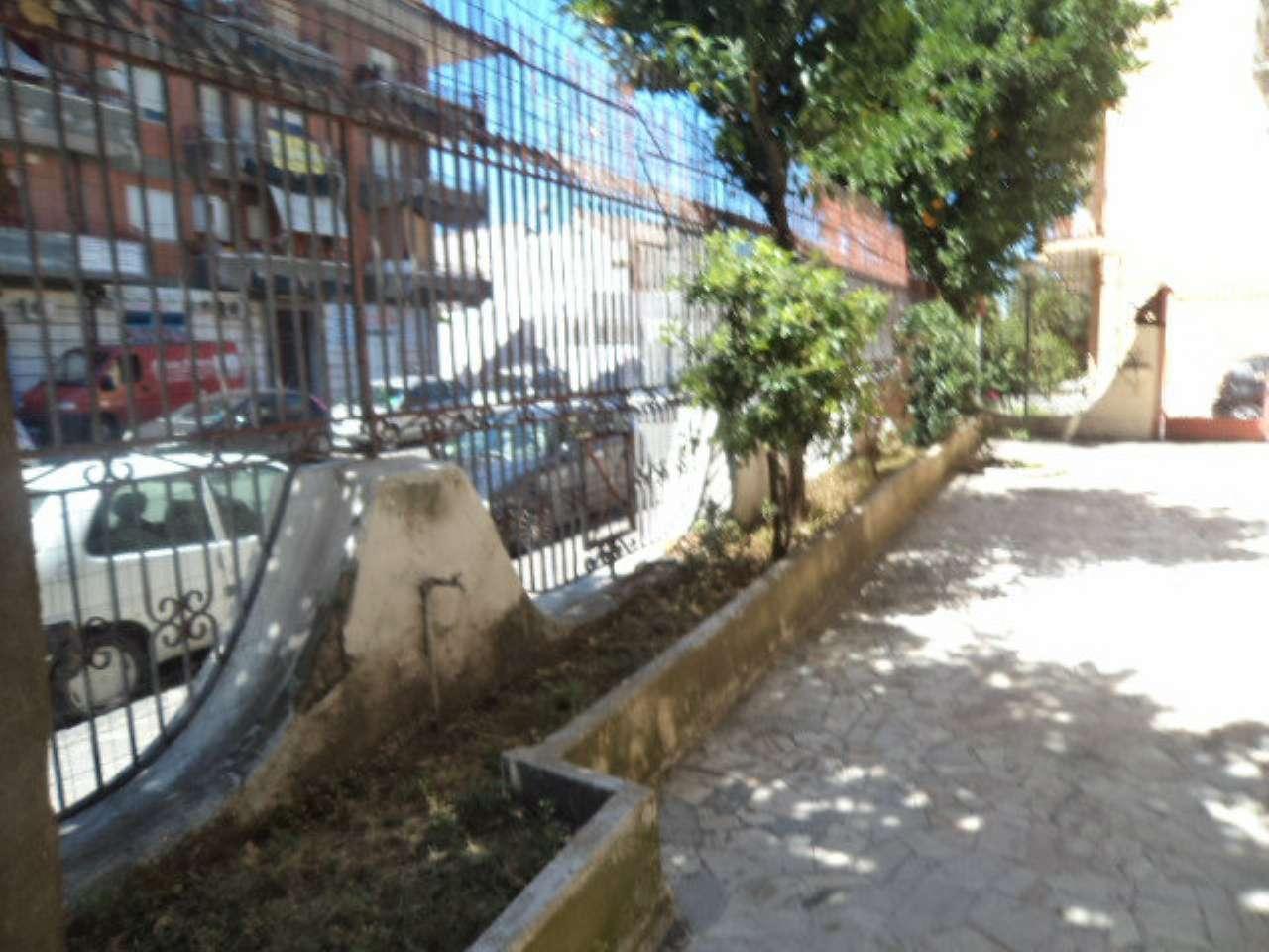 Negozio / Locale in affitto a Qualiano, 2 locali, prezzo € 600 | Cambio Casa.it