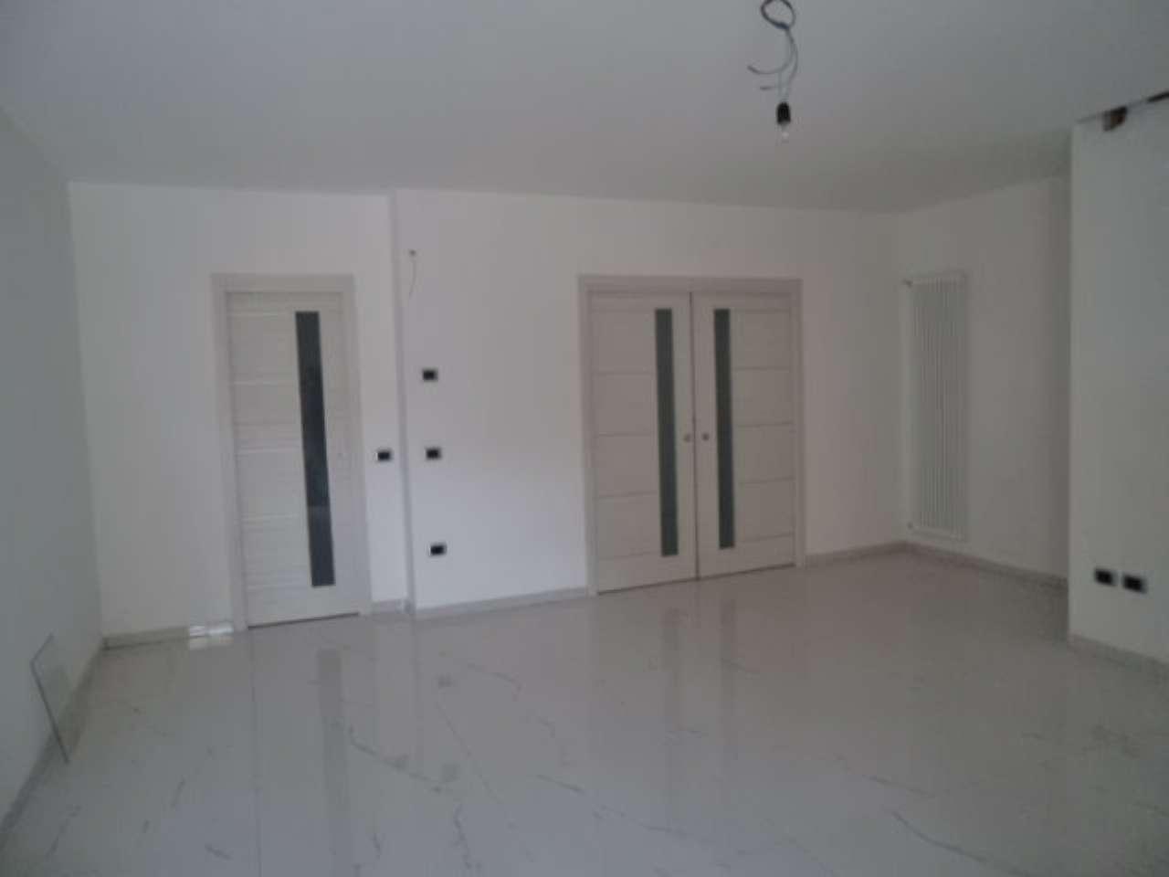 Villa in vendita a Parete, 4 locali, prezzo € 249.000 | Cambio Casa.it