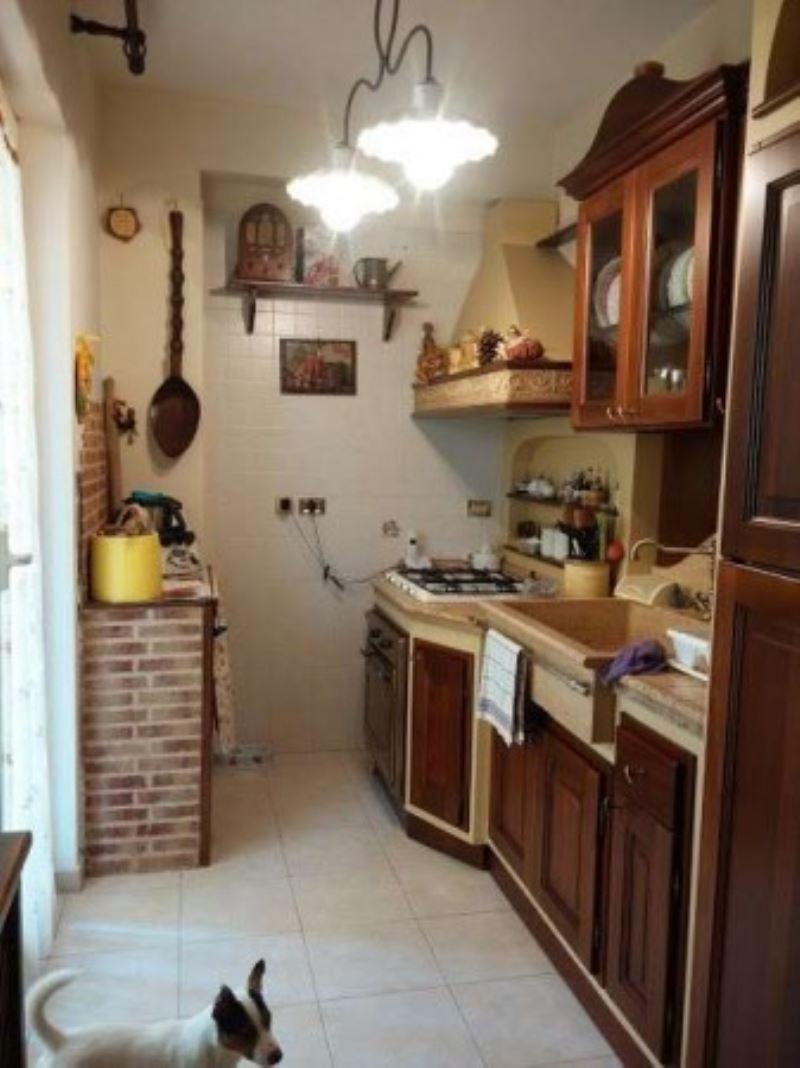 Appartamento in vendita a Giugliano in Campania, 6 locali, prezzo € 145.000 | Cambio Casa.it