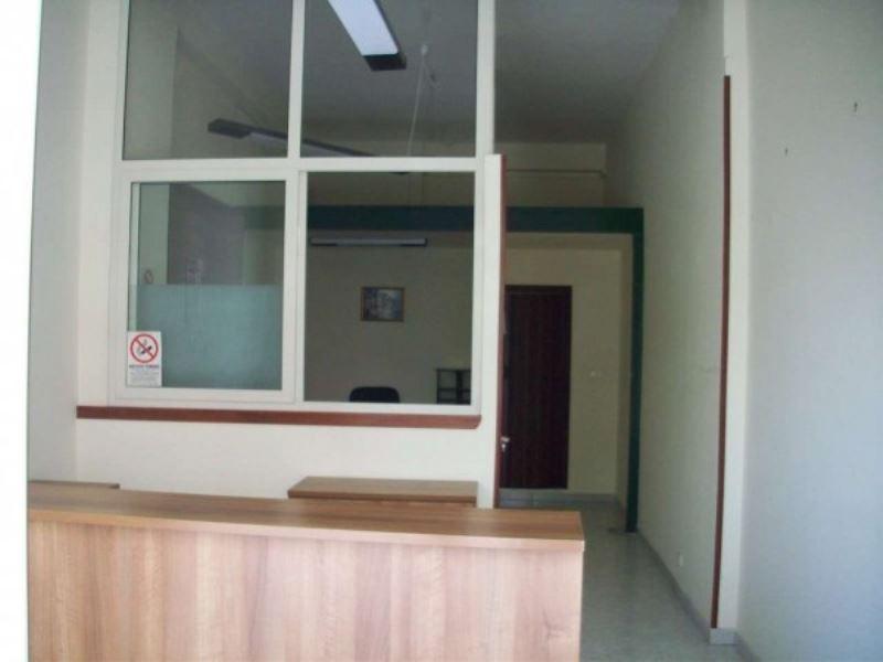 Negozio / Locale in vendita a Giugliano in Campania, 1 locali, prezzo € 30.000   CambioCasa.it