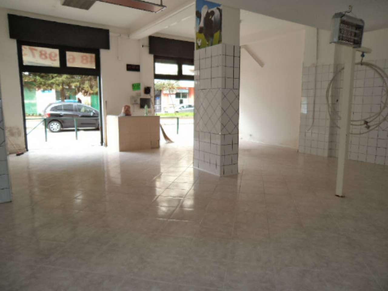 Negozio / Locale in vendita a Giugliano in Campania, 2 locali, prezzo € 55.000   CambioCasa.it