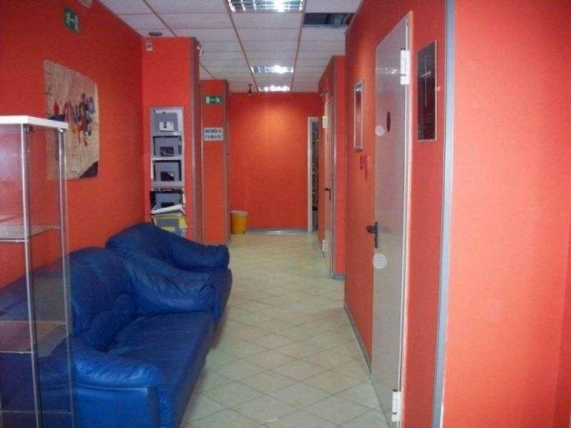 Ufficio / Studio in vendita a Giugliano in Campania, 6 locali, prezzo € 120.000   CambioCasa.it