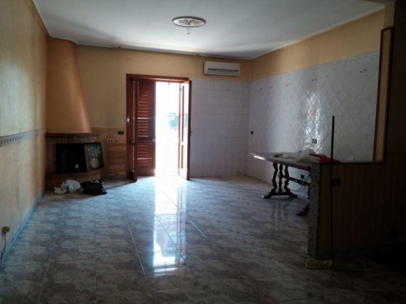 Appartamento in vendita a Giugliano in Campania, 4 locali, prezzo € 245.000 | Cambio Casa.it
