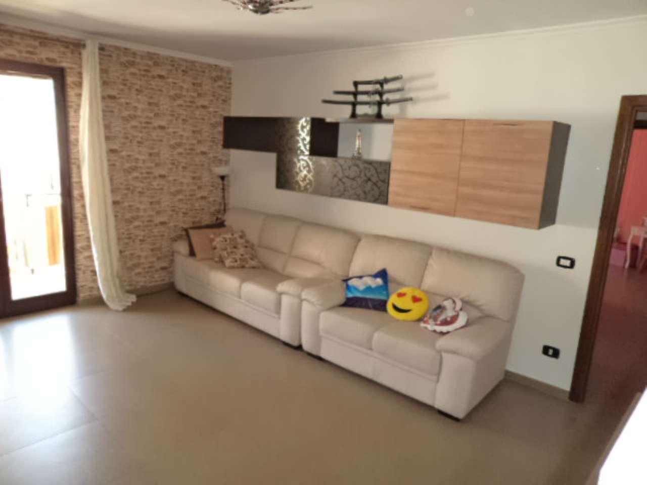 Appartamento in vendita a Giugliano in Campania, 5 locali, prezzo € 165.000 | Cambio Casa.it