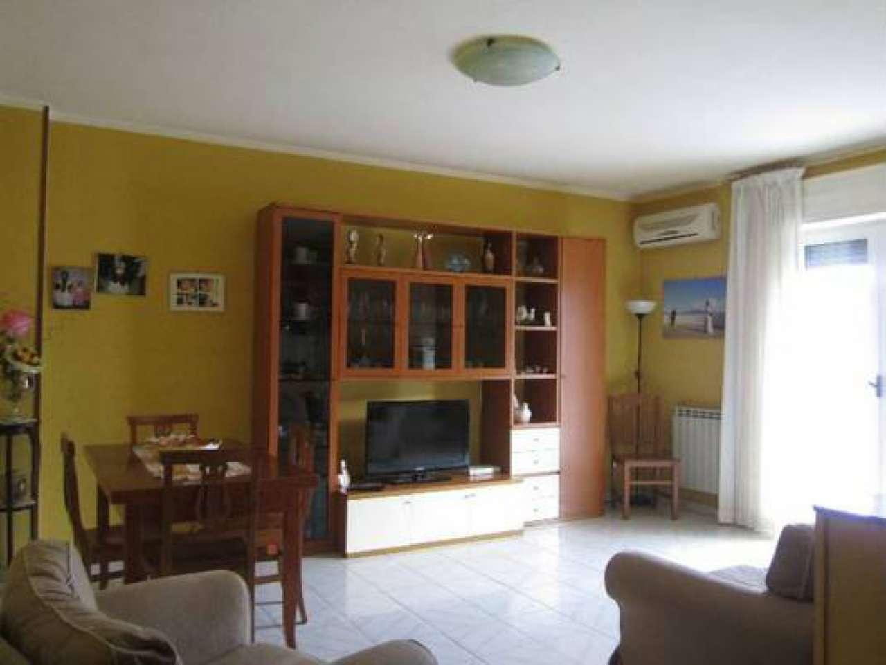 Appartamento in vendita a Giugliano in Campania, 5 locali, prezzo € 118.000 | Cambio Casa.it