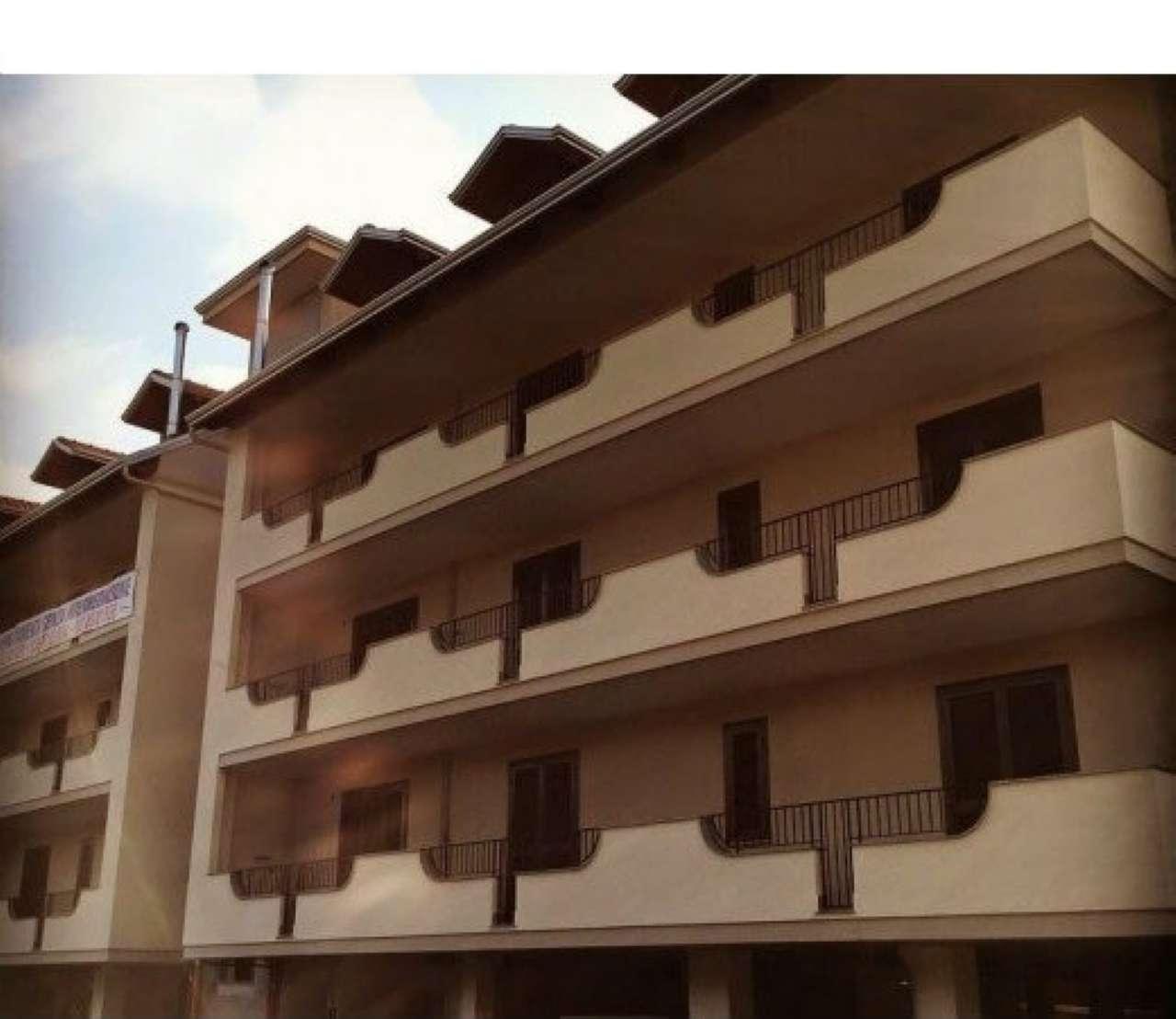 Appartamento in vendita a Giugliano in Campania, 4 locali, prezzo € 150.000 | CambioCasa.it