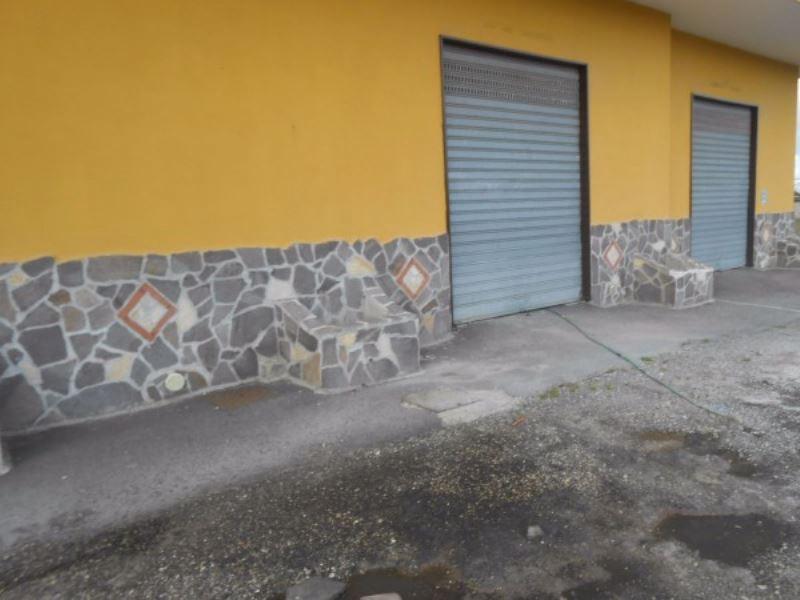 Negozio / Locale in Affitto a Giugliano in Campania