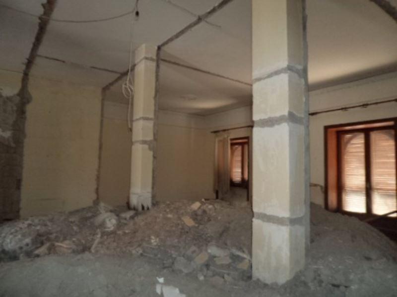 Negozio / Locale in affitto a Qualiano, 1 locali, prezzo € 700 | CambioCasa.it