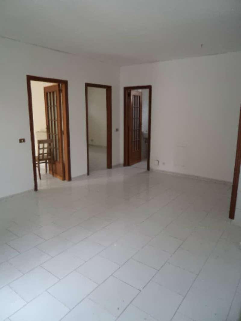 Appartamento in vendita a Villaricca, 4 locali, prezzo € 100.000 | CambioCasa.it