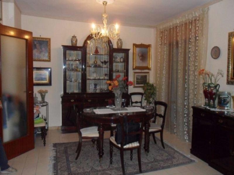 Appartamento in vendita a Calvizzano, 6 locali, prezzo € 240.000   CambioCasa.it