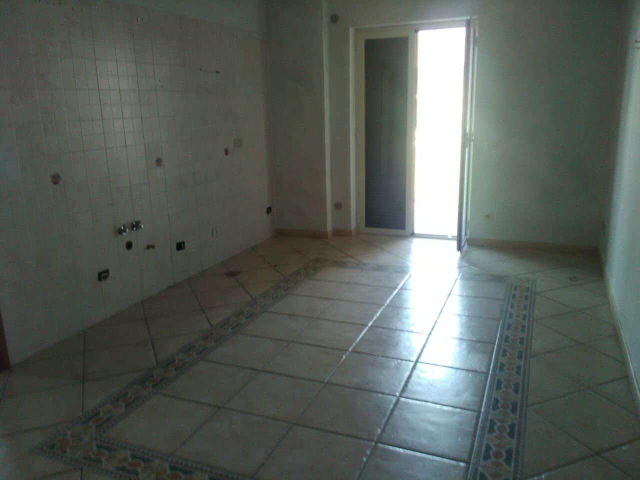 Appartamento in affitto a Giugliano in Campania, 4 locali, prezzo € 450 | CambioCasa.it