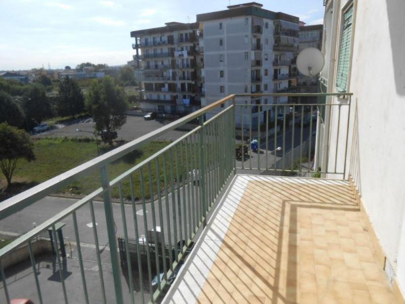 Appartamento in vendita a Giugliano in Campania, 6 locali, prezzo € 89.000 | CambioCasa.it