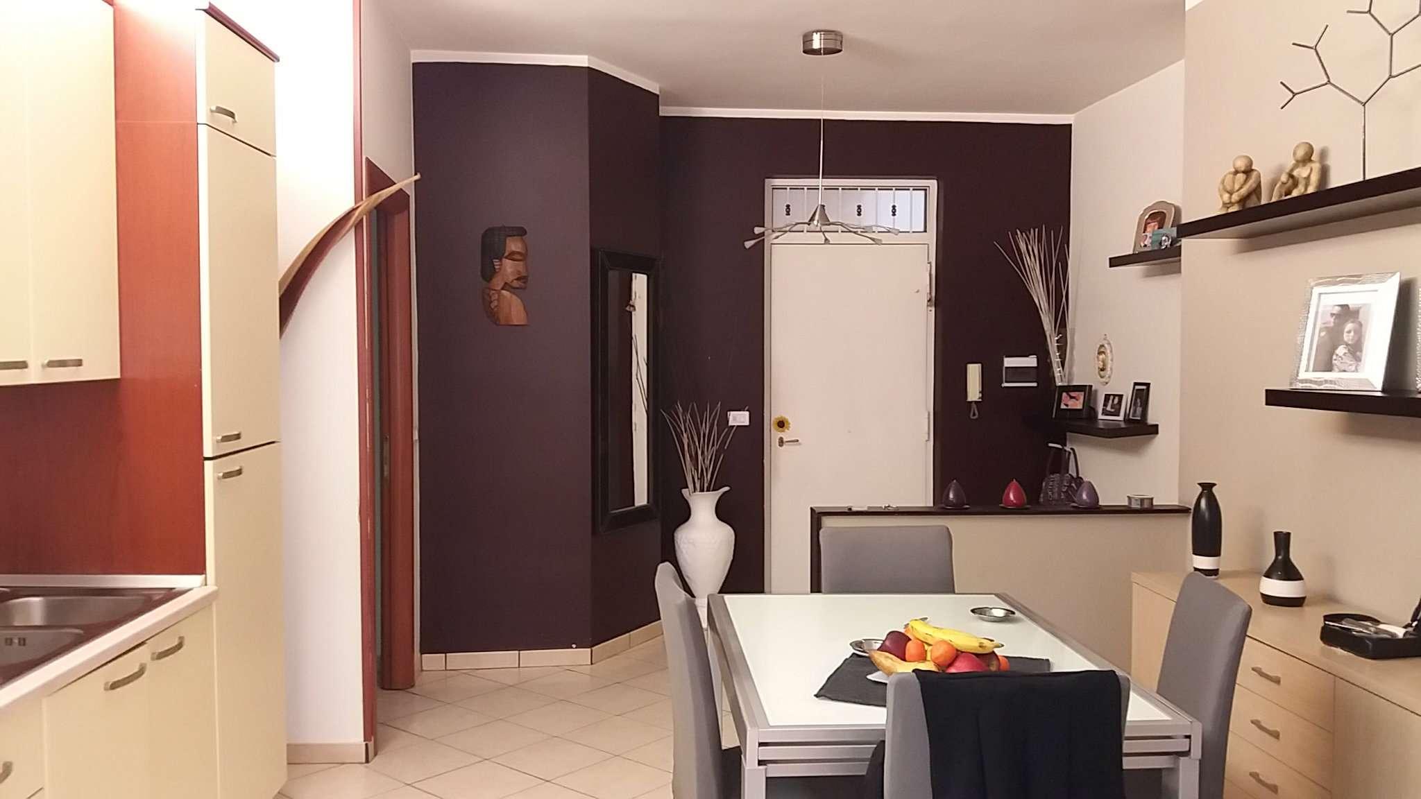 Palazzo / Stabile in Vendita a Giugliano in Campania