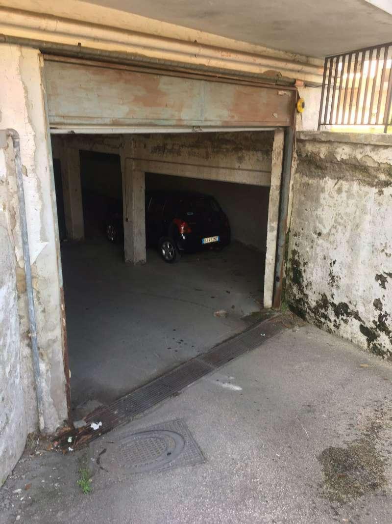 Box / Garage in Vendita a Melito di Napoli