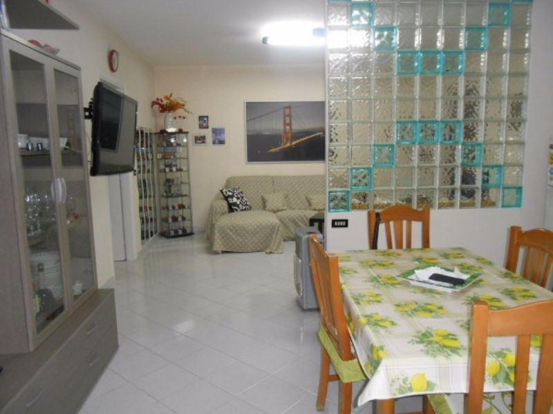 Appartamento in vendita a Villaricca, 6 locali, prezzo € 125.000 | CambioCasa.it