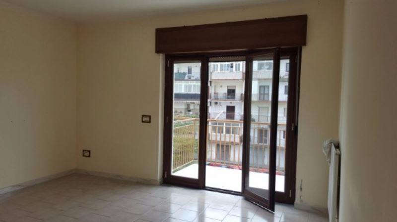 Appartamento in affitto a Giugliano in Campania, 6 locali, prezzo € 420 | CambioCasa.it