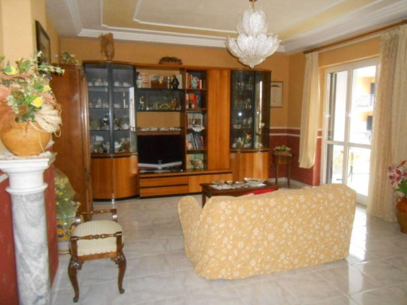 Appartamento in vendita a Villaricca, 4 locali, prezzo € 220.000 | CambioCasa.it
