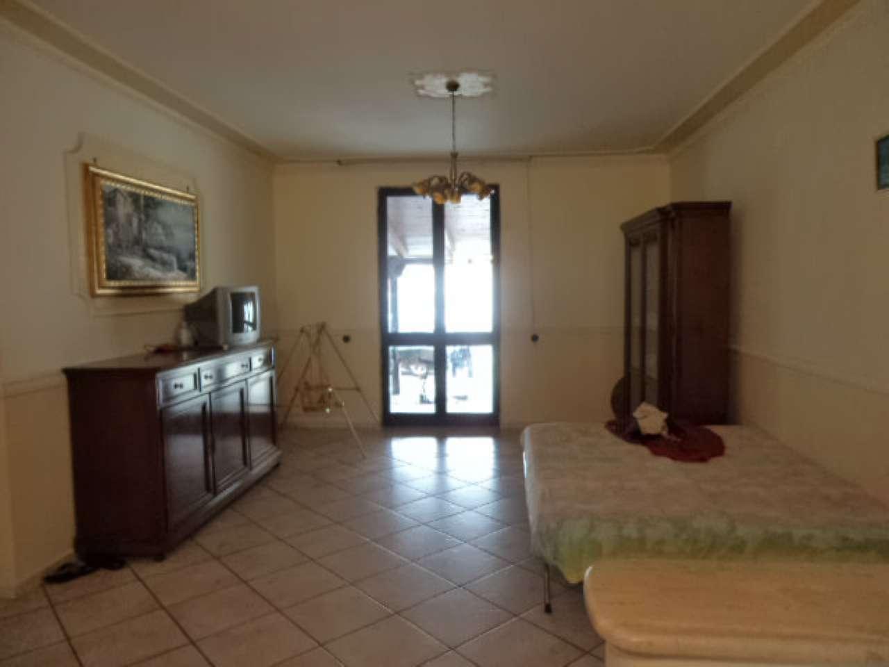 Villa Bifamiliare in vendita a Casal di Principe, 6 locali, prezzo € 250.000 | CambioCasa.it