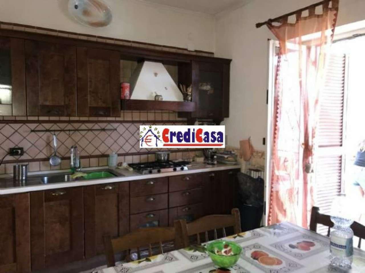Appartamento in vendita a Giugliano in Campania, 4 locali, prezzo € 135.000 | CambioCasa.it