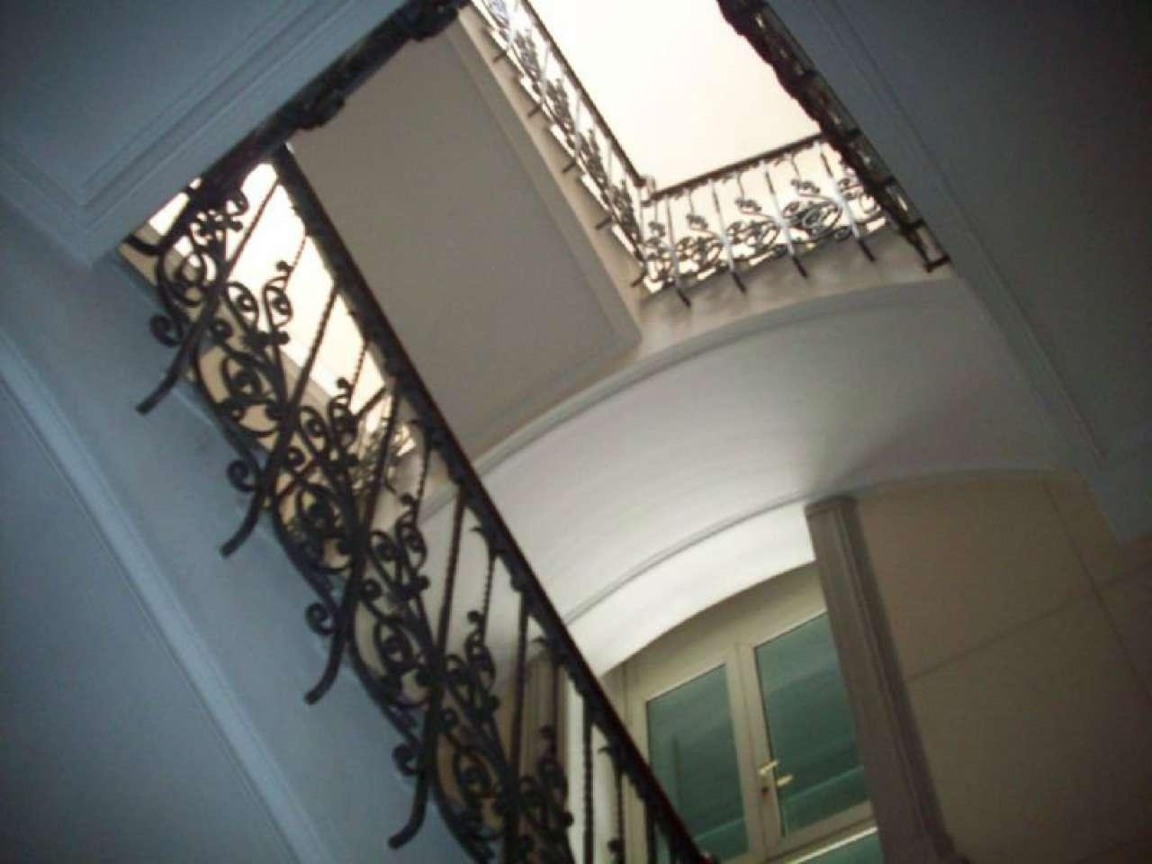 Villa in vendita a Giugliano in Campania, 25 locali, Trattative riservate | CambioCasa.it