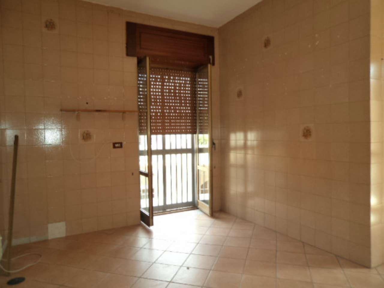 Appartamento in vendita a Qualiano, 4 locali, prezzo € 105.000   CambioCasa.it