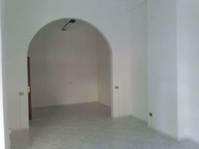 Negozio / Locale in affitto a Giugliano in Campania, 1 locali, prezzo € 650 | CambioCasa.it