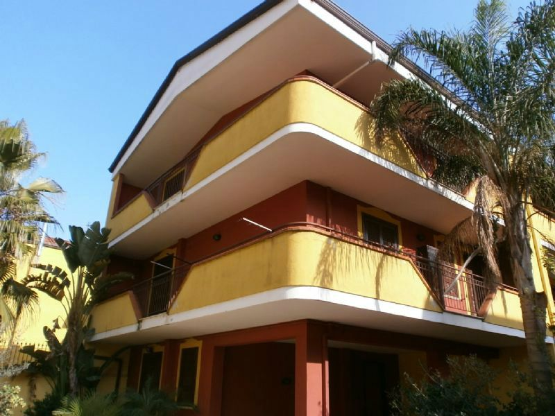 Villa in affitto a Giugliano in Campania, 6 locali, prezzo € 1.100 | CambioCasa.it
