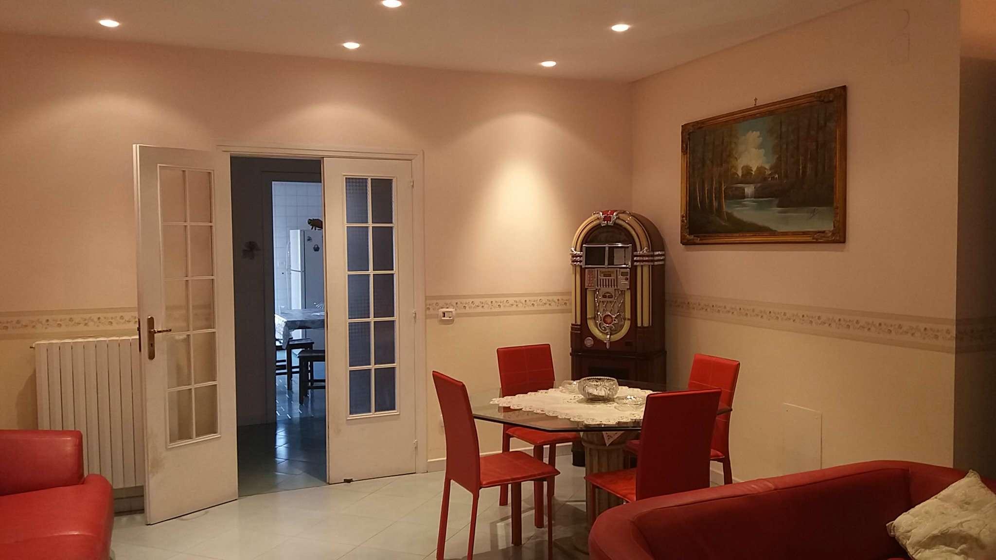 Appartamento in vendita a Casavatore, 7 locali, prezzo € 245.000 | CambioCasa.it