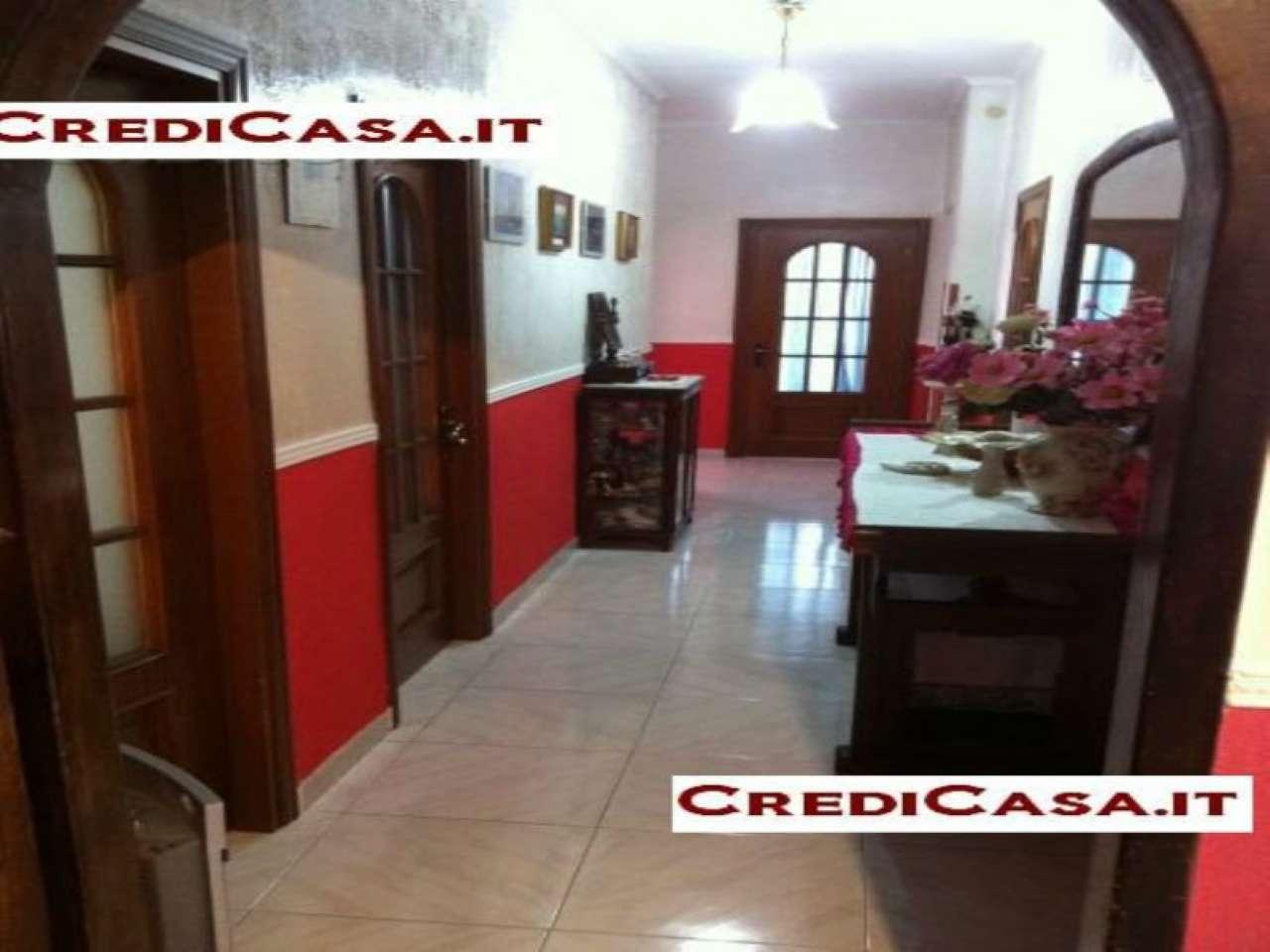 Villa in vendita a Giugliano in Campania, 8 locali, prezzo € 480.000 | CambioCasa.it