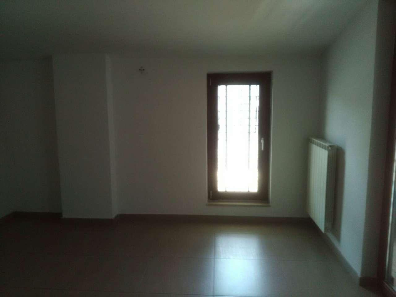 Villa in affitto a Villaricca, 9 locali, prezzo € 650 | CambioCasa.it