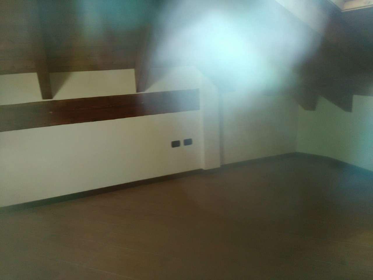 Appartamento in affitto a Giugliano in Campania, 4 locali, prezzo € 370 | CambioCasa.it