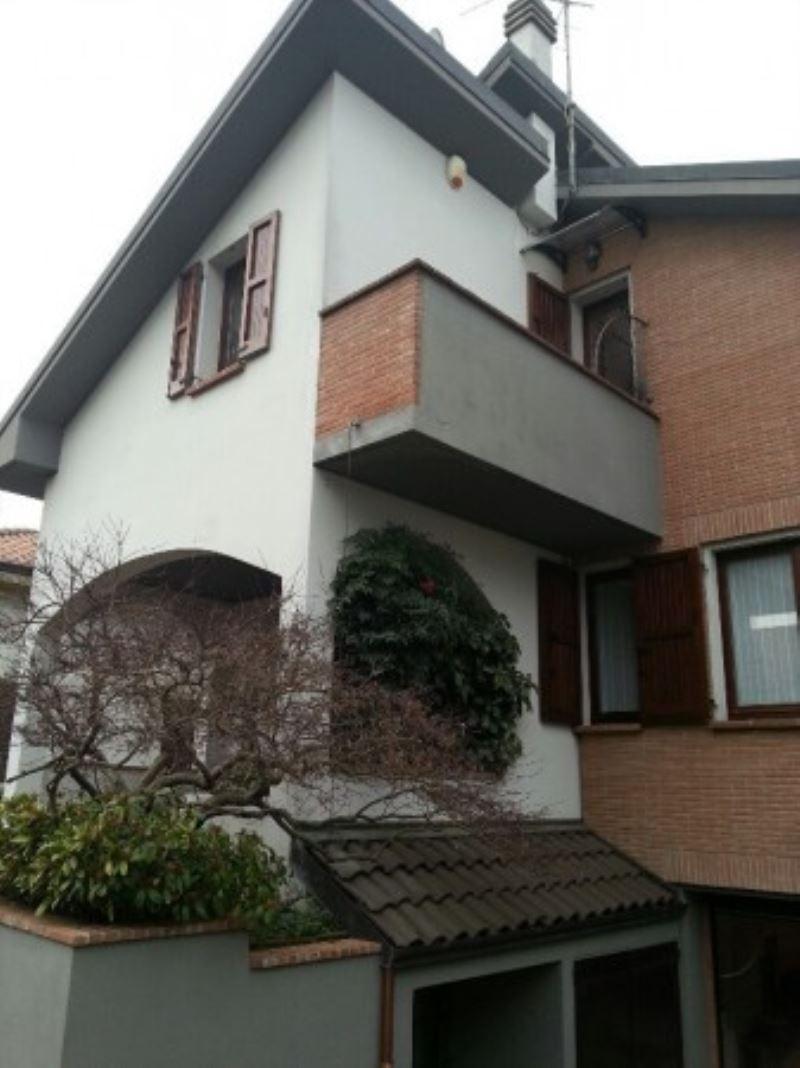Villa in vendita a Lesmo, 6 locali, prezzo € 495.000 | Cambio Casa.it