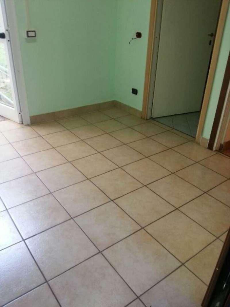 Altro in affitto a Villasanta, 2 locali, prezzo € 450 | CambioCasa.it