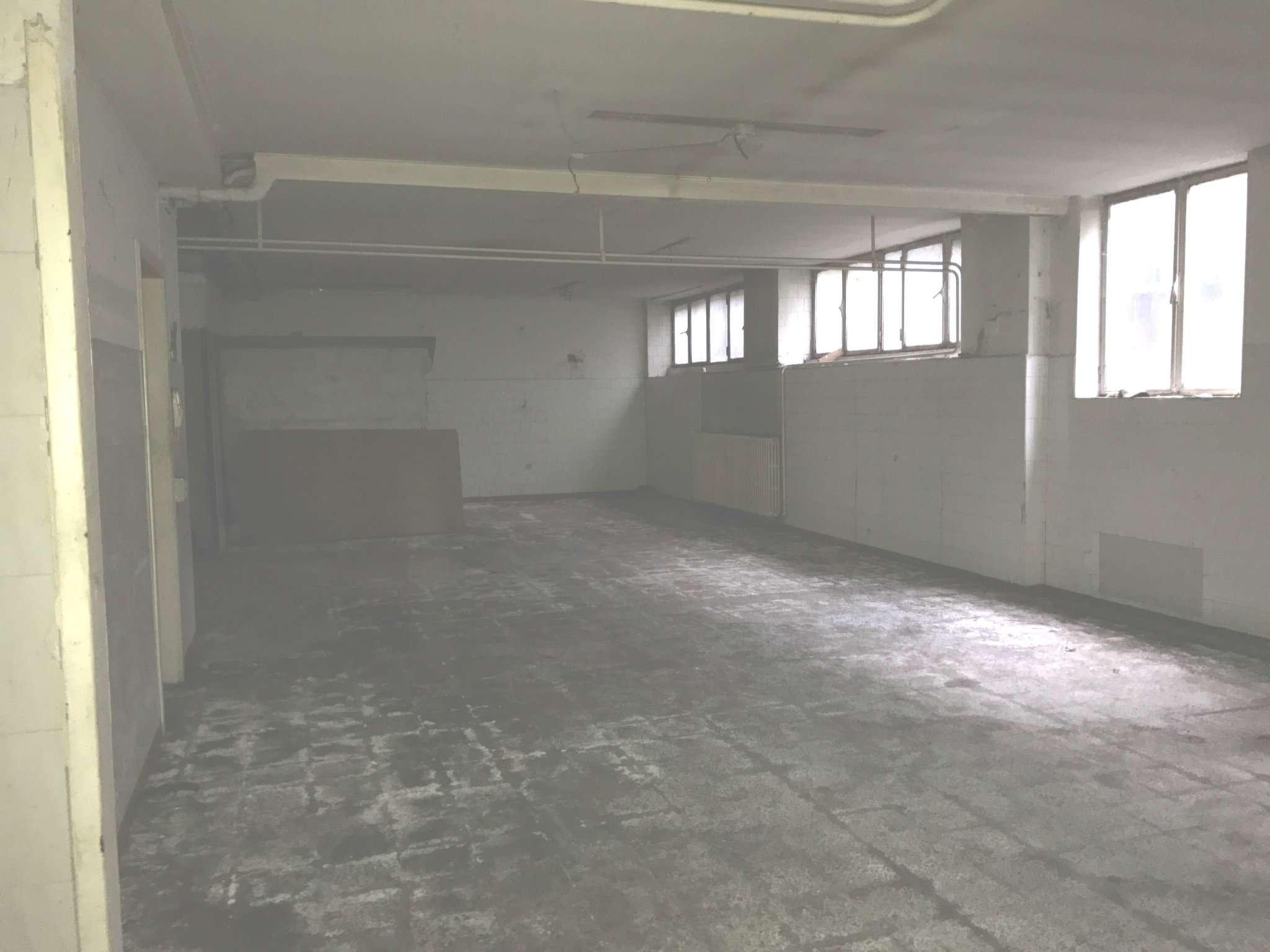 Magazzino in vendita a Lissone, 3 locali, prezzo € 59.000 | Cambio Casa.it