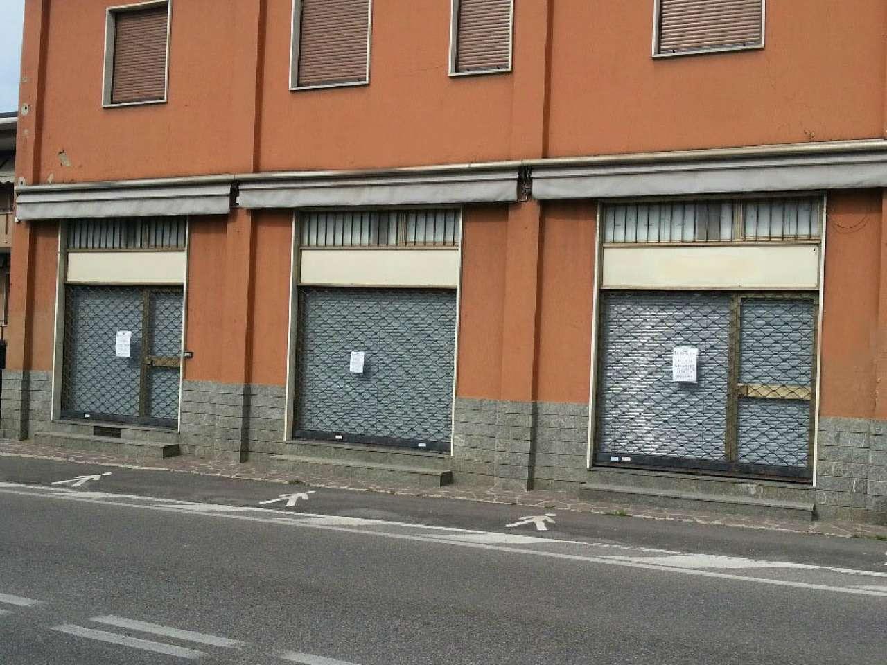 Negozio / Locale in affitto a Lesmo, 3 locali, prezzo € 1.500 | Cambio Casa.it
