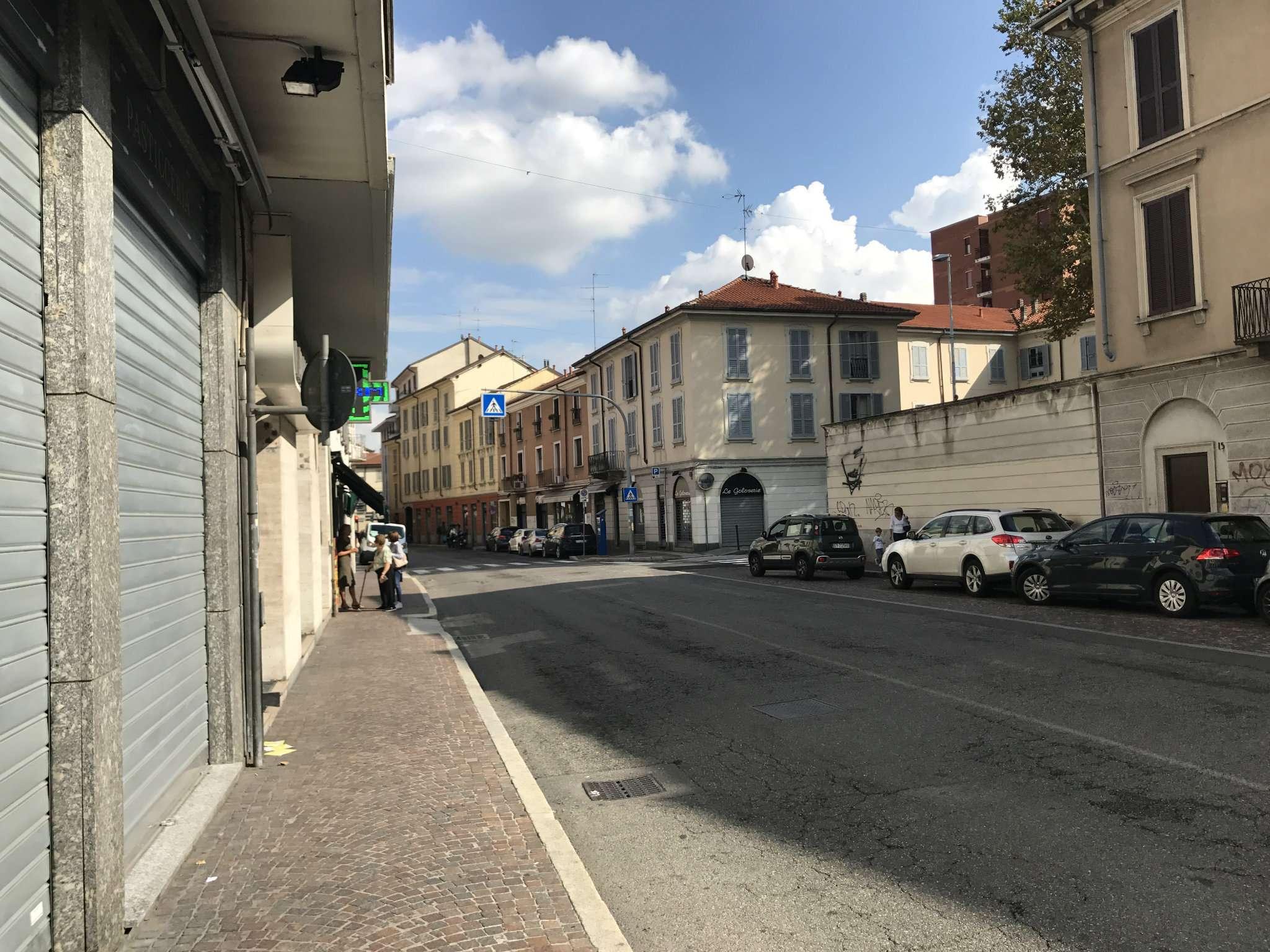 Negozio / Locale in affitto a Monza, 1 locali, zona Zona: 7 . San Biagio, Cazzaniga, prezzo € 950   CambioCasa.it