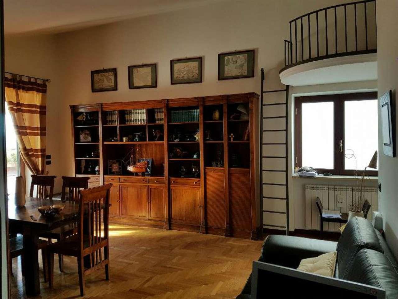 Attico / Mansarda in vendita a Pozzuoli, 3 locali, prezzo € 320.000 | CambioCasa.it