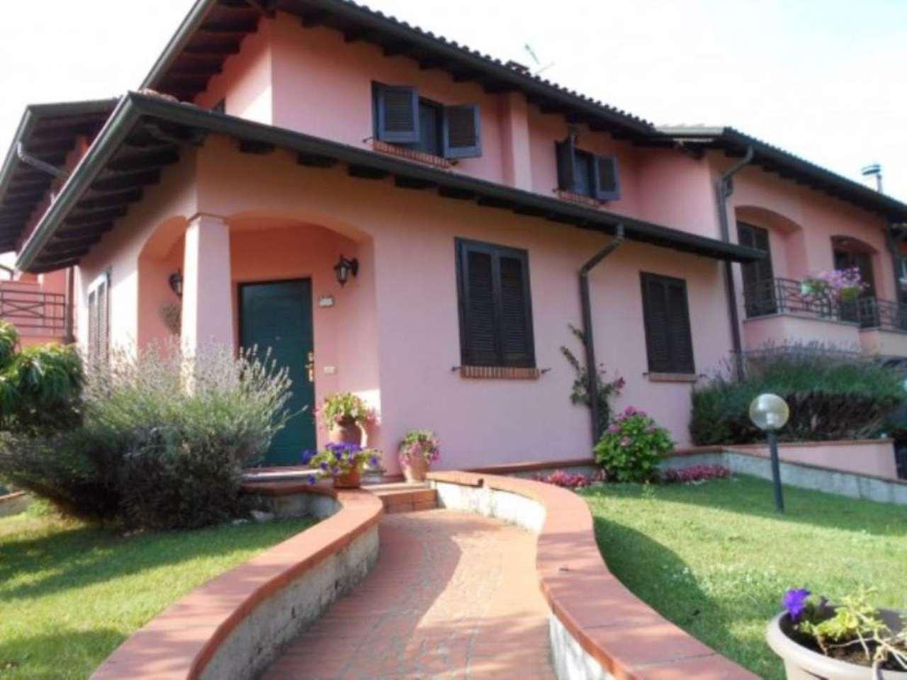 Villa in Vendita a Trivolzio