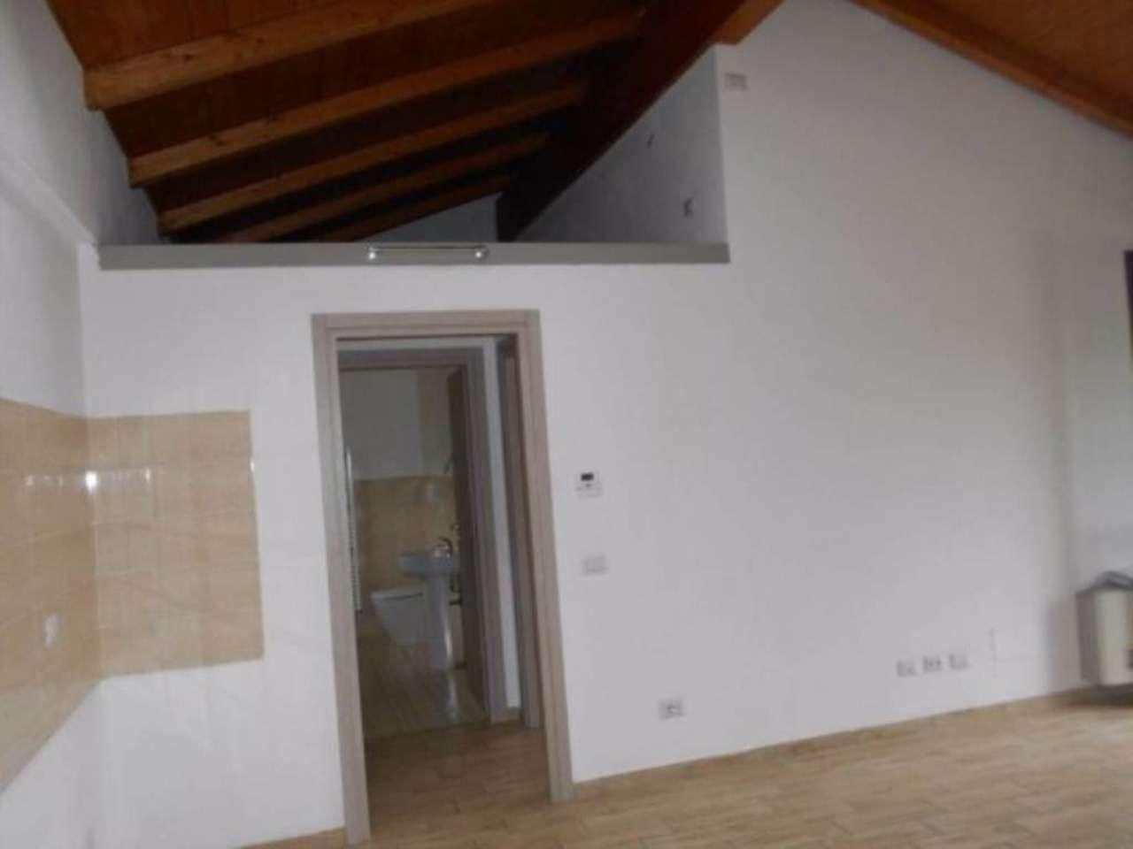 Appartamento in affitto a Linarolo, 2 locali, prezzo € 400 | Cambio Casa.it