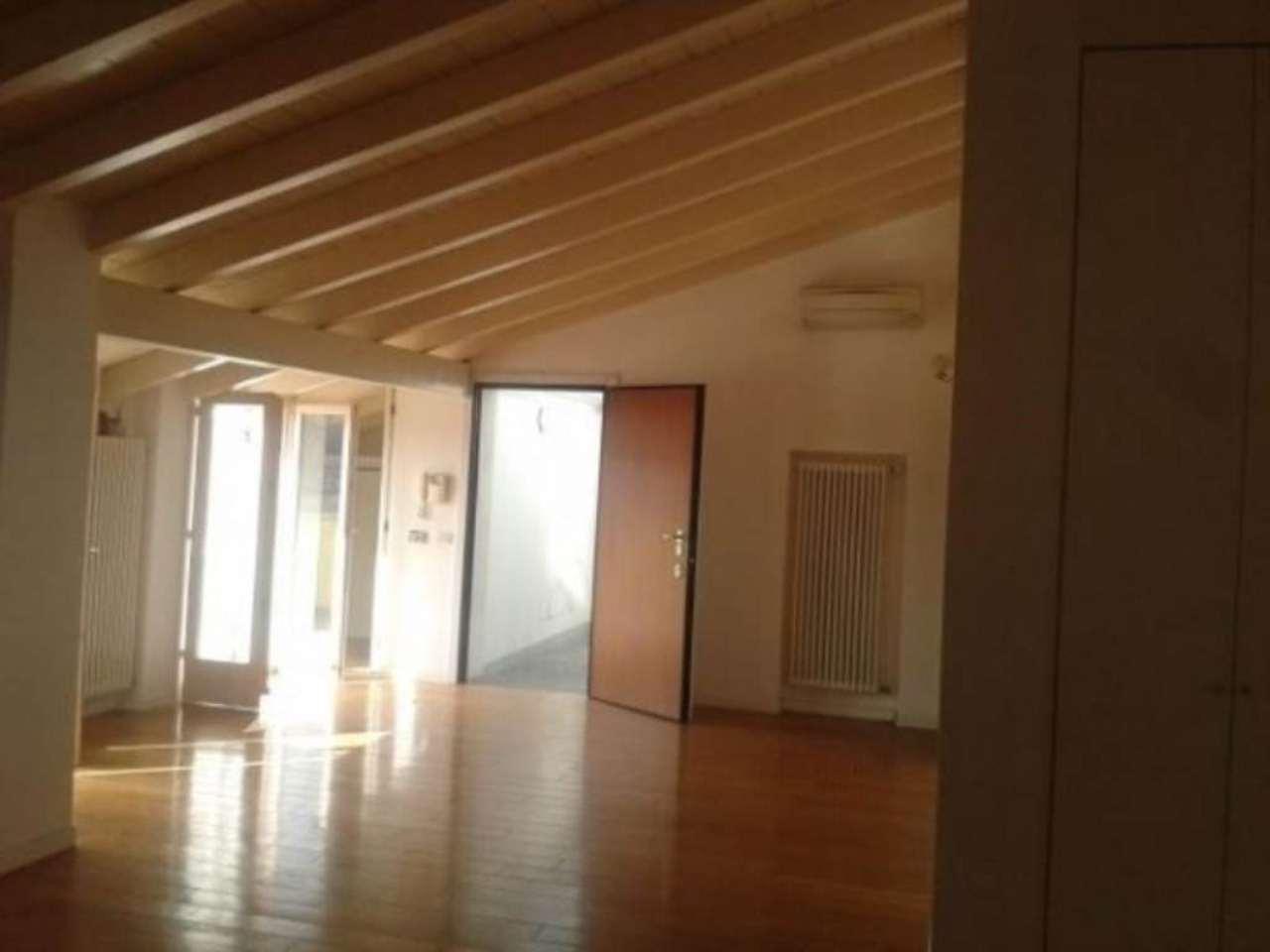 Attico / Mansarda in vendita a Pavia, 9999 locali, prezzo € 760.000 | Cambio Casa.it