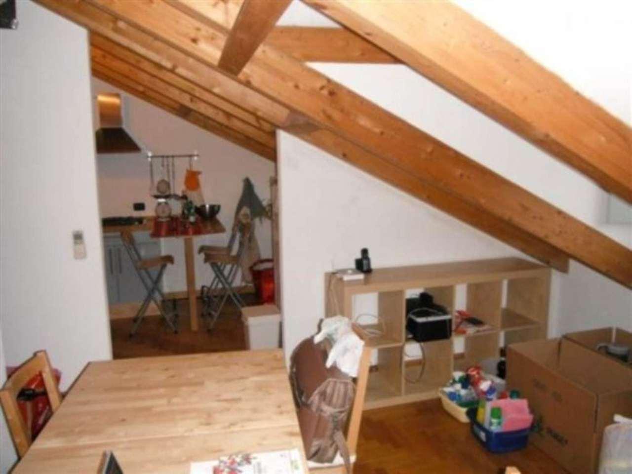 Attico / Mansarda in affitto a Pavia, 2 locali, prezzo € 550 | Cambio Casa.it