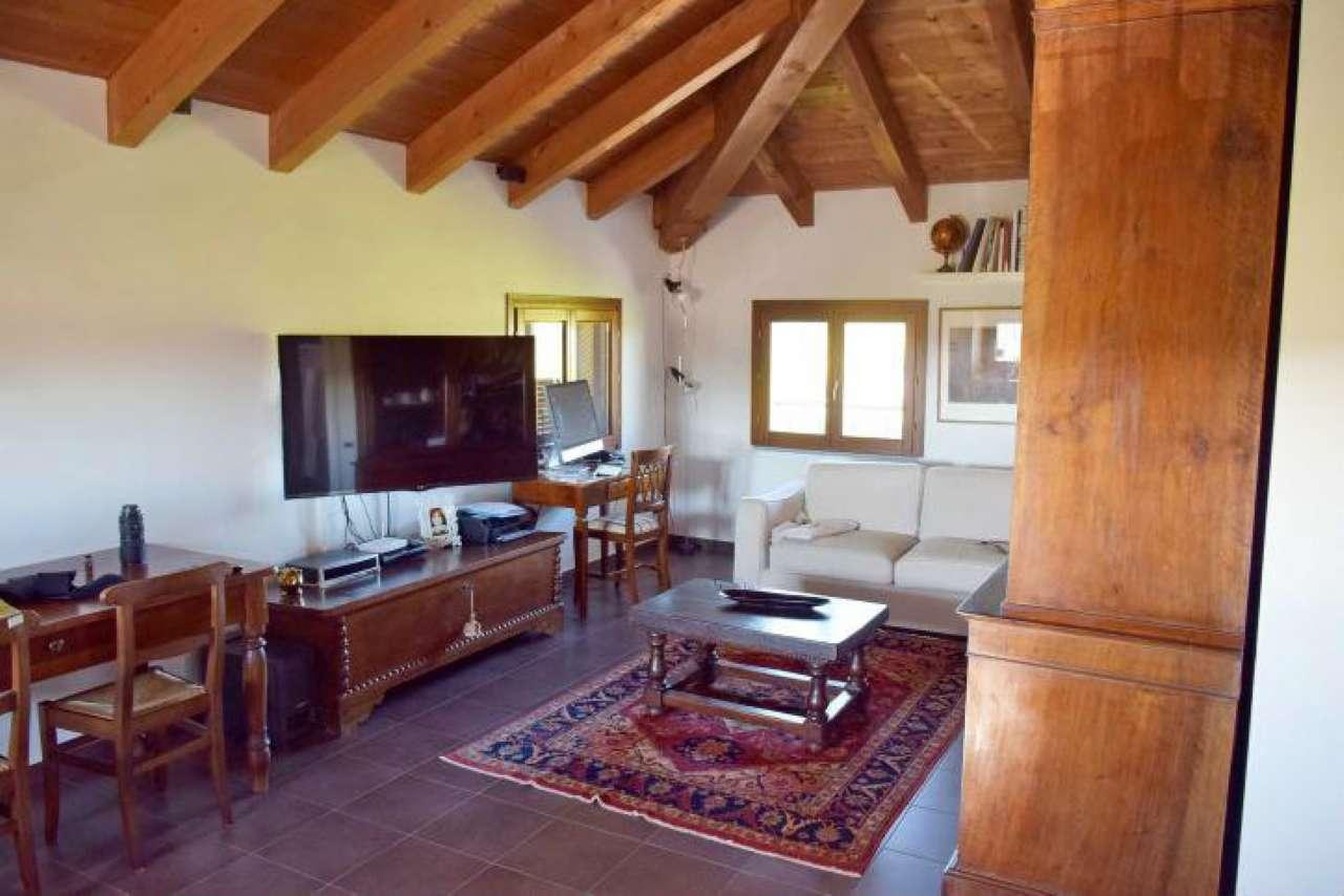 Attico / Mansarda in vendita a San Martino Siccomario, 2 locali, prezzo € 145.000 | Cambio Casa.it