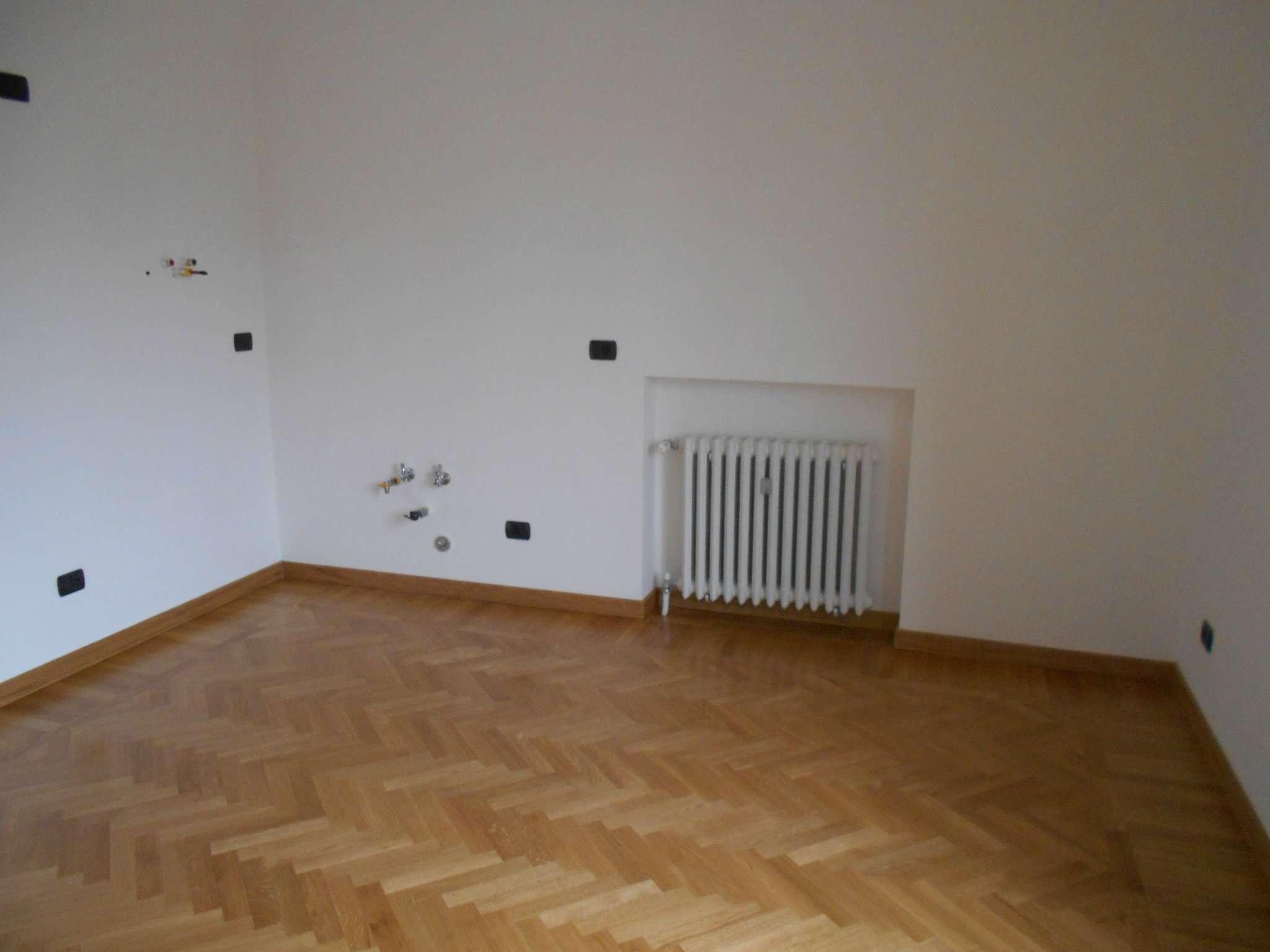 Appartamento in affitto a Pavia, 3 locali, prezzo € 800 | Cambio Casa.it
